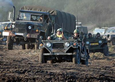 Eine Kundgebung für Militärfahrzeuge in Darłówko